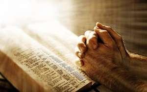 http://agapeher.com/wp-content/uploads/2015/08/christians-in-pakistan-prayers.jpg