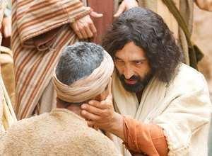 jesus-helbreder-en-blind-mann